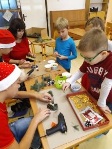 Fotogalerie Vánoční tvoření na 1. stupni, foto č. 39