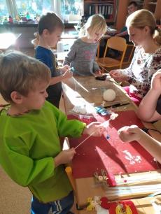 Fotogalerie Vánoční tvoření na 1. stupni, foto č. 8